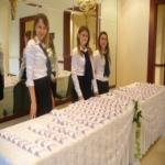 stand hostesses